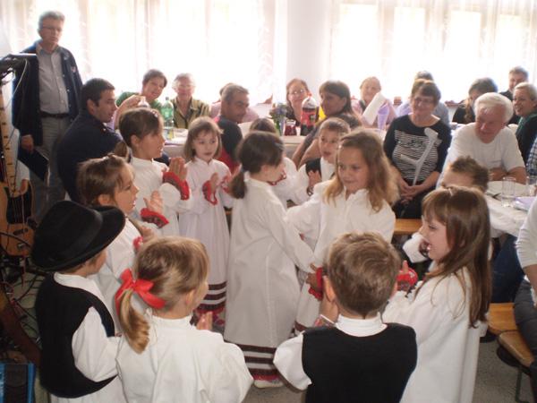 Folklorni nastup u Komatnici