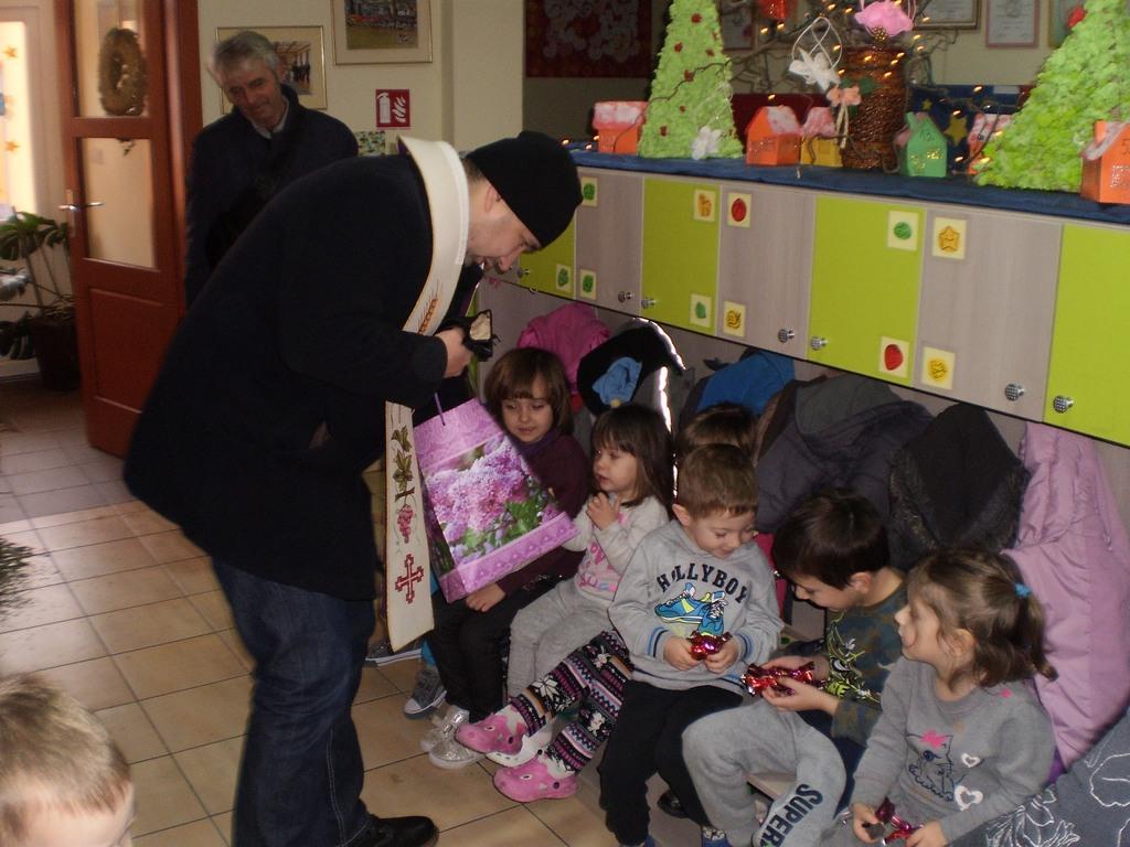 """Velečasni Leon Lozančić posjetio je Dječji vrtić """"Potočnica"""" Sigetec"""