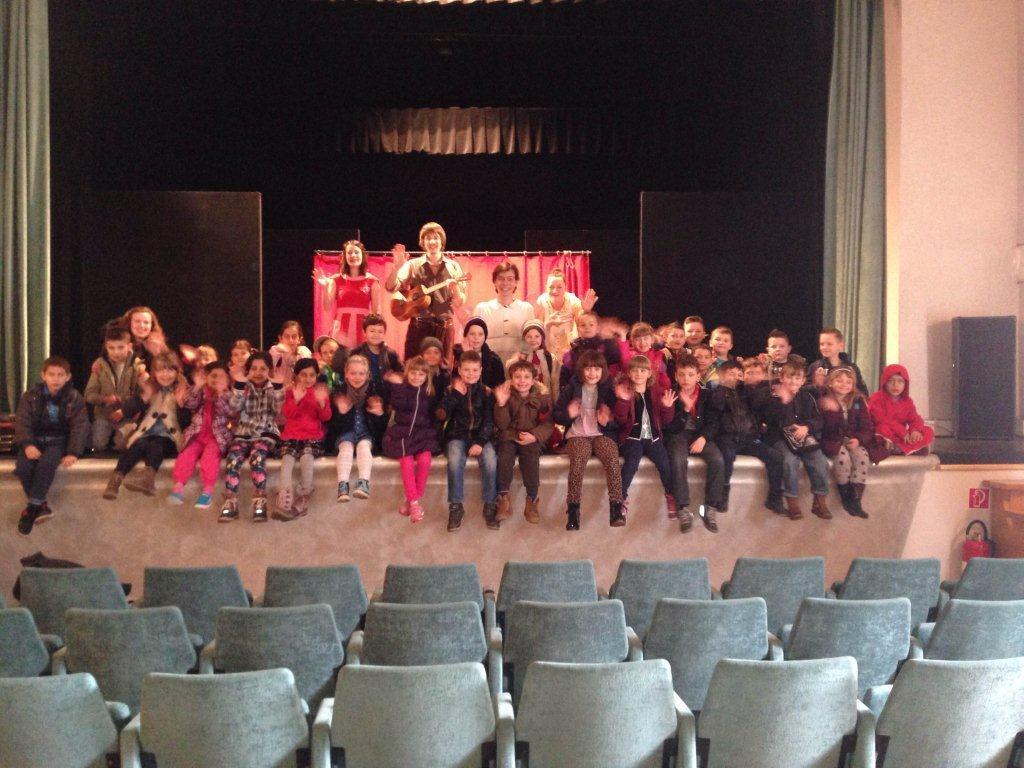Predškolarci prisustvovali predstavi u Domoljubu