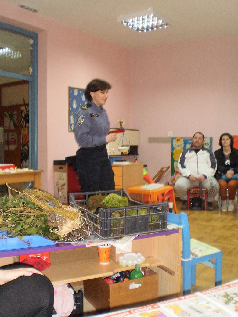 Posjet policajke