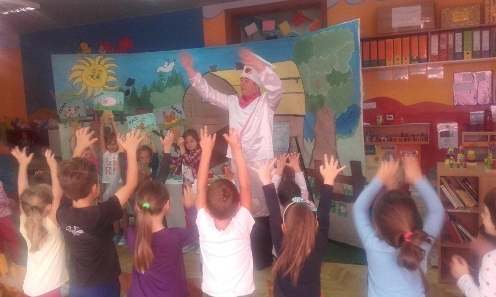 """Predstava Šarenog svijeta pod nazivom """"U duru I molu za vrtić I školu"""""""