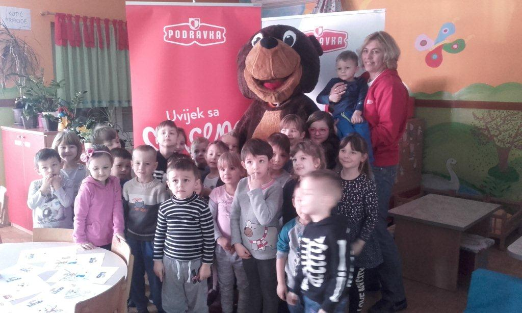 Lino posjetio djecu