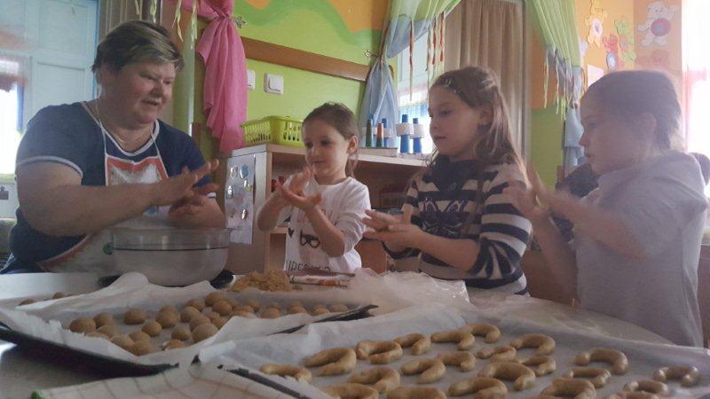 Pečenje Božićnih kolača u vrtiću