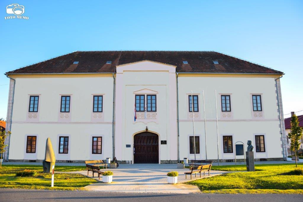 Općina Peteranec darivala svoje potrebite mještane prigodnim božićnim namirnicama